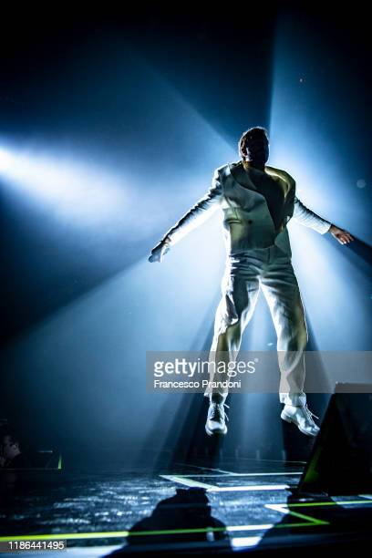 Marco Mengoni performs in Milan at Mediolanum Forum on November 08, 2019 in Milan, Italy.