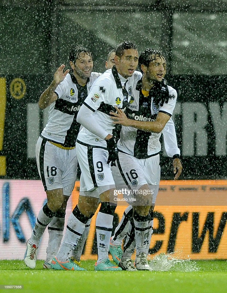 Marco Parolo of Parma FC #16 celebrates scoring the second goal during the Serie A match between Parma FC and AS Roma at Stadio Ennio Tardini on October 31, 2012 in Parma, Italy.