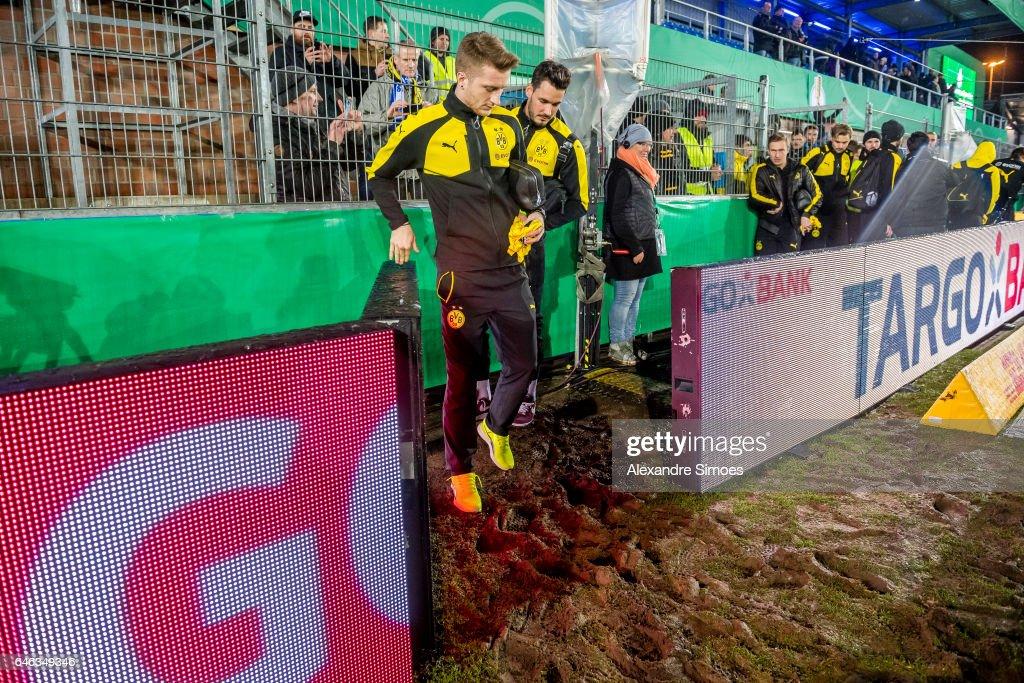 Sportfreunde Lotte v Borussia Dortmund - DFB Cup Quarter Final : News Photo