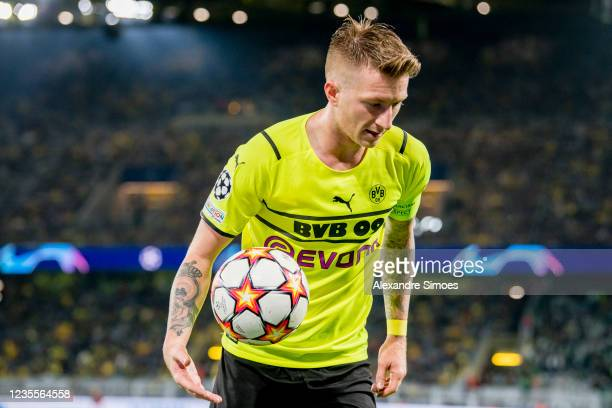 Marco Reus of Borussia Dortmund after the final whistle during the Champions League Group C match between Borussia Dortmund and Sporting Lissabon at...