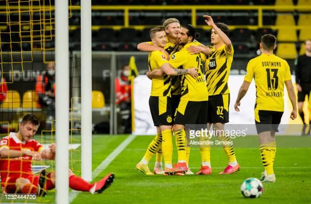 Marco Reus of Borussia Dortmund celebrates scoring his goal to the 1:0 during the Bundesliga match between Borussia Dortmund and 1. FC Union Berlin...