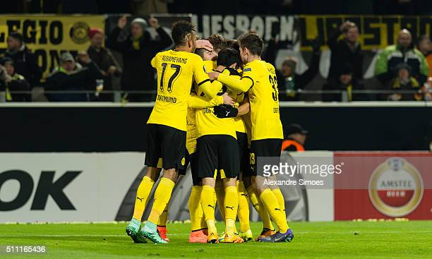 Marco Reus of Borussia Dortmund celebrates scoring the goal to the 20 together with his team mates during the UEFA Europa League Round of 32 First...