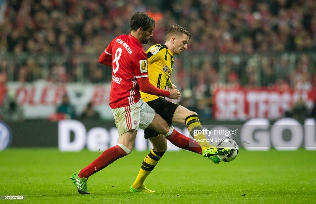 FC Bayern Muenchen v Borussia Dortmund - DFB Cup Semi Final : Nachrichtenfoto