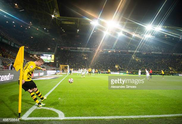 Marco Reus of Borussia Dortmund during a corner kick during the Bundesliga match between Borussia Dortmund and Borussia Moenchengladbach at Signal...