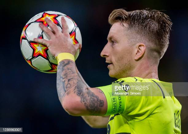 Marco Reus of Borussia Dortmund in action during the Champions League Group C match between Borussia Dortmund and Sporting Lissabon at the Signal...