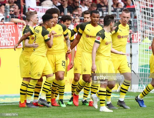 Marco Reus of Borussia Dortmund Jadon Malik Sancho of Borussia Dortmund Axel Witsel of Borussia Dortmund Thomas Delaney of Borussia Dortmund Julian...