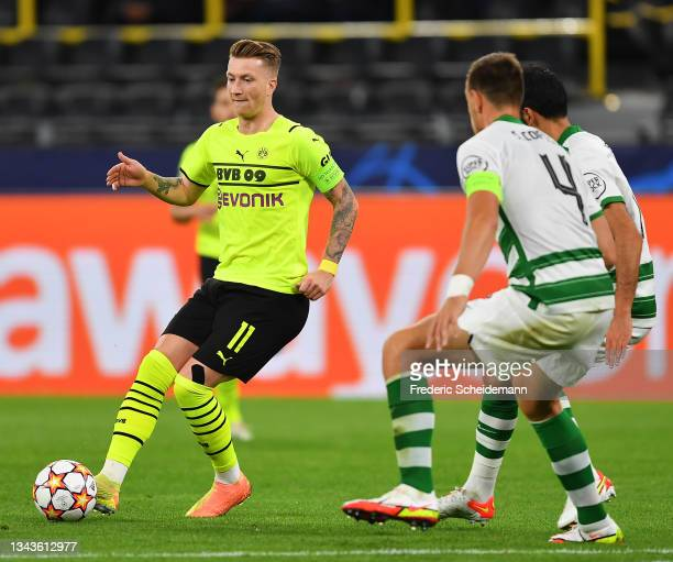 Marco Reus of Borussia Dortmund passes the ball during the UEFA Champions League group C match between Borussia Dortmund and Sporting CP at Signal...