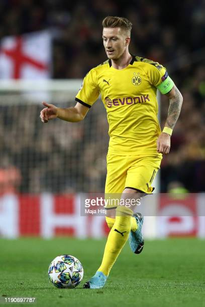 Marco Reus of Dortmund controls the ball during the UEFA Champions League group F match between FC Barcelona and Borussia Dortmund at Camp Nou on...