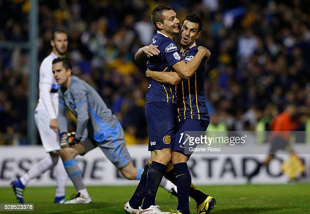 Marco Ruben of Rosario Central and German Herrera celebrate their team's first goal during a second leg match between Rosario Central and Gremio as...