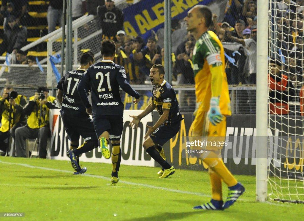 FBL-LIBERTADORES-ROSARIO-PALMEIRAS : News Photo