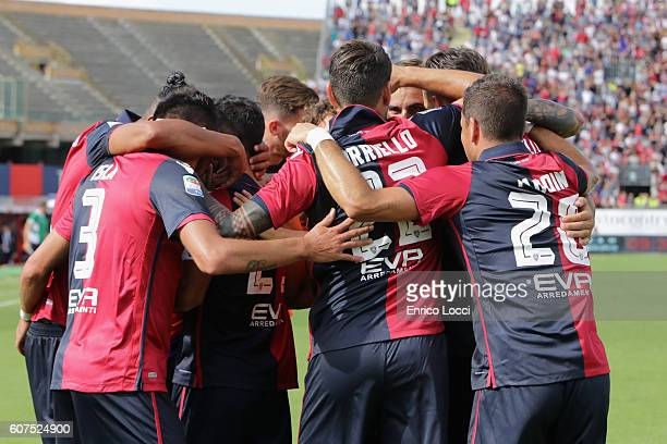 Marco Sau of Cagliari celebrates his goal with teammates during the Serie A match between Cagliari Calcio and Atalanta BC at Stadio Sant'Elia on...