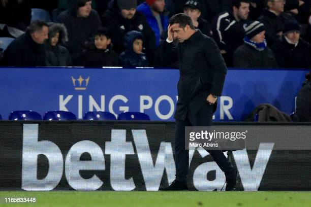 Marco Silva manager of Everton reacts during the Premier League match between Leicester City and Everton FC at The King Power Stadium on December 1,...