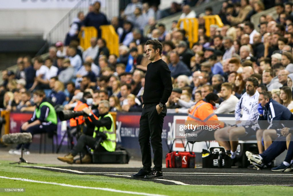 Millwall v Fulham - Sky Bet Championship : Photo d'actualité