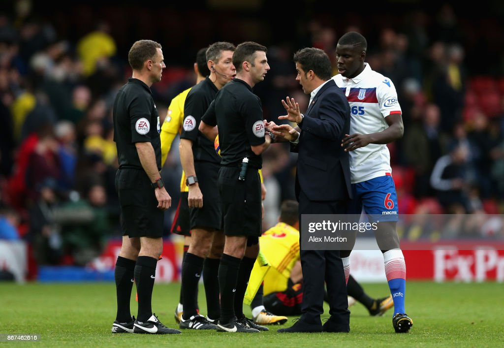 Marco Silva, Manager of Watford argues with referee Michael Oliver after the Premier League match between Watford and Stoke City at Vicarage Road on October 28, 2017 in Watford, England.