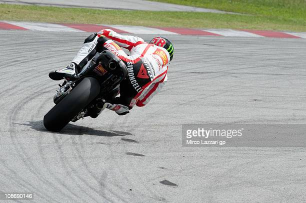 Marco Simoncelli of Italy and San Carlo Honda Gresini rounds the bend during the first session of testing at Sepang Circuit on February 1 2011 in...