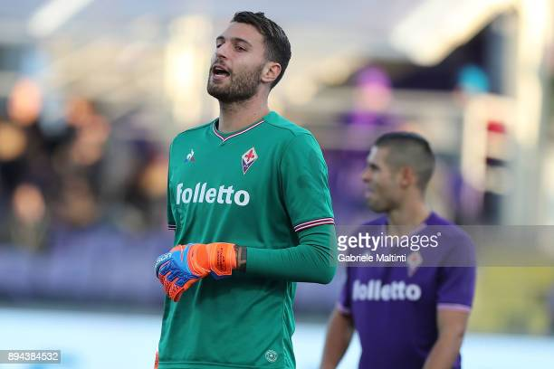 Marco Sportiello of ACF Fiorentina in action during the Serie A match betweenACF Fiorentina and Genoa CFC at Stadio Artemio Franchi on December 17...