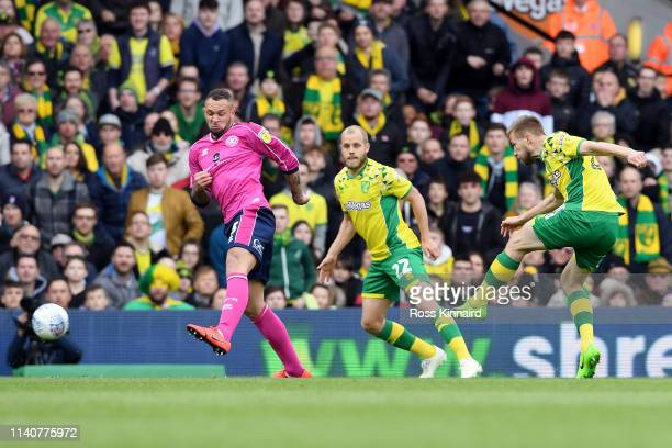 Marco Stiepermann of Norwich City scores his team's second goal during the Sky bet Championship match between Norwich City and Queens Park Rangers at...