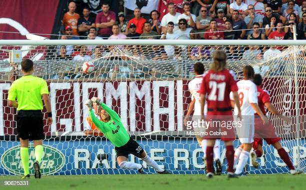 Marco Storari of AC Milan in action during the Serie A match between AS Livorno and AC Milan at Stadio Armando Picchi on September 12, 2009 in...