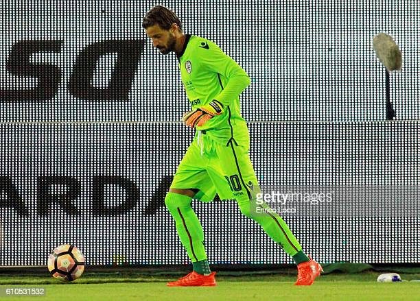 Marco Storari of Cagliari in action during the Serie A match between Cagliari Calcio and UC Sampdoria at Stadio Sant'Elia on September 26 2016 in...