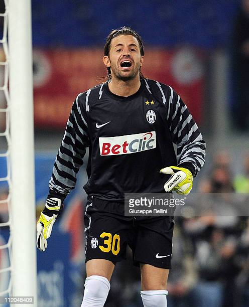 Marco Storari of Juventus in action during the Serie A match between AS Roma and Juventus FC at Stadio Olimpico on April 3 2011 in Rome Italy
