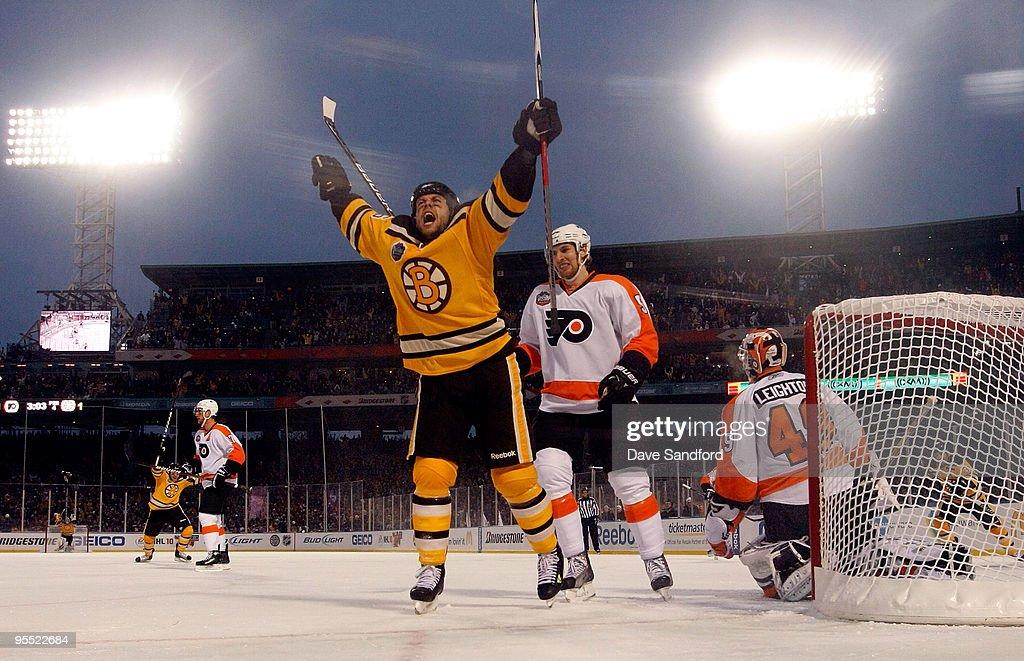 Winter Classic: Philadelphia Flyers v Boston Bruins : News Photo