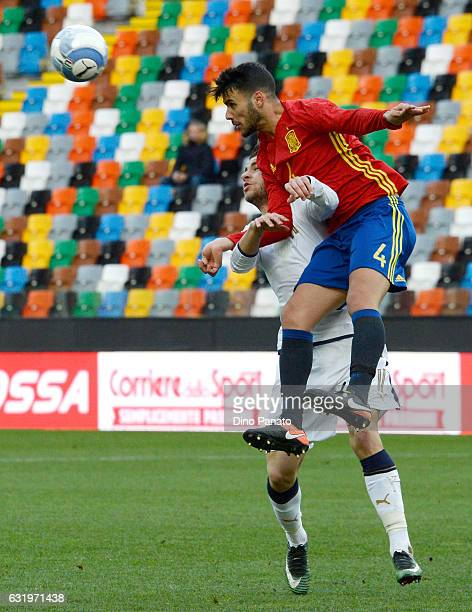 Marco Tumminello of Italy U19 competes with Alex Martin Valeron of Spain U19 during the U19 International Friendly match between Italy U19 and Spain...