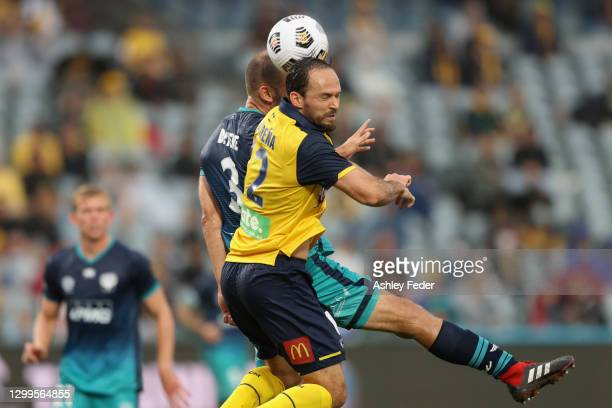Marco Urena of the Mariners heads the ball during the A-League match between the Central Coast Mariners and the Wellington Phoenix at Central Coast...