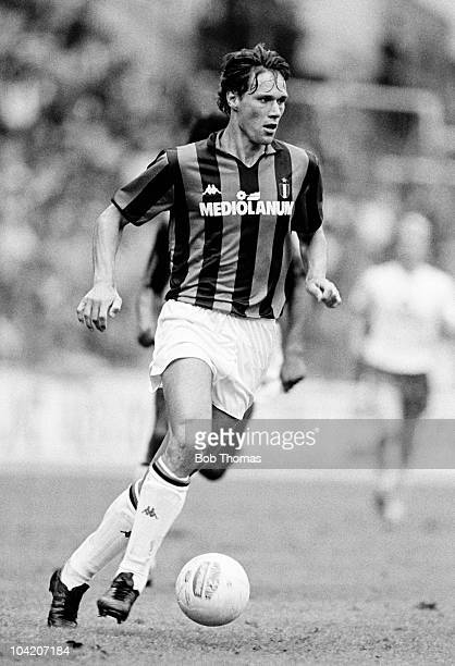 Marco Van Basten of AC Milan in action against Bayern Munich during the Wembley Tournament held at Wembley Stadium London on 13th August 1988 AC...