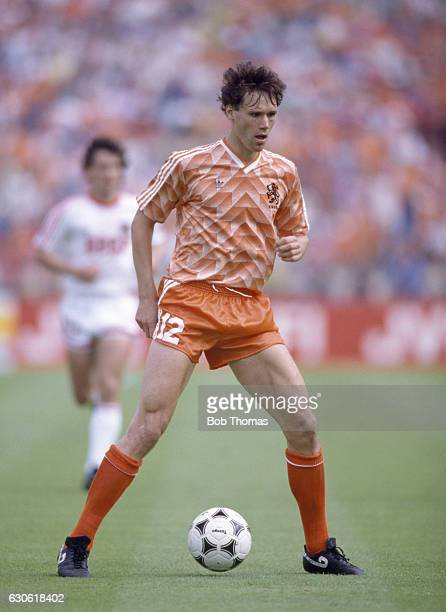 Marco Van Basten of Holland in action during the UEFA European Championship Final between Holland and the USSR in Munich on 25th June 1988 Holland...