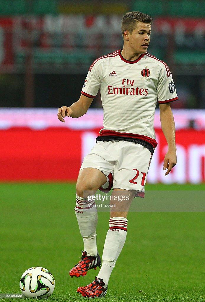 Marco Van Ginkel of AC Milan in action during Luigi ...