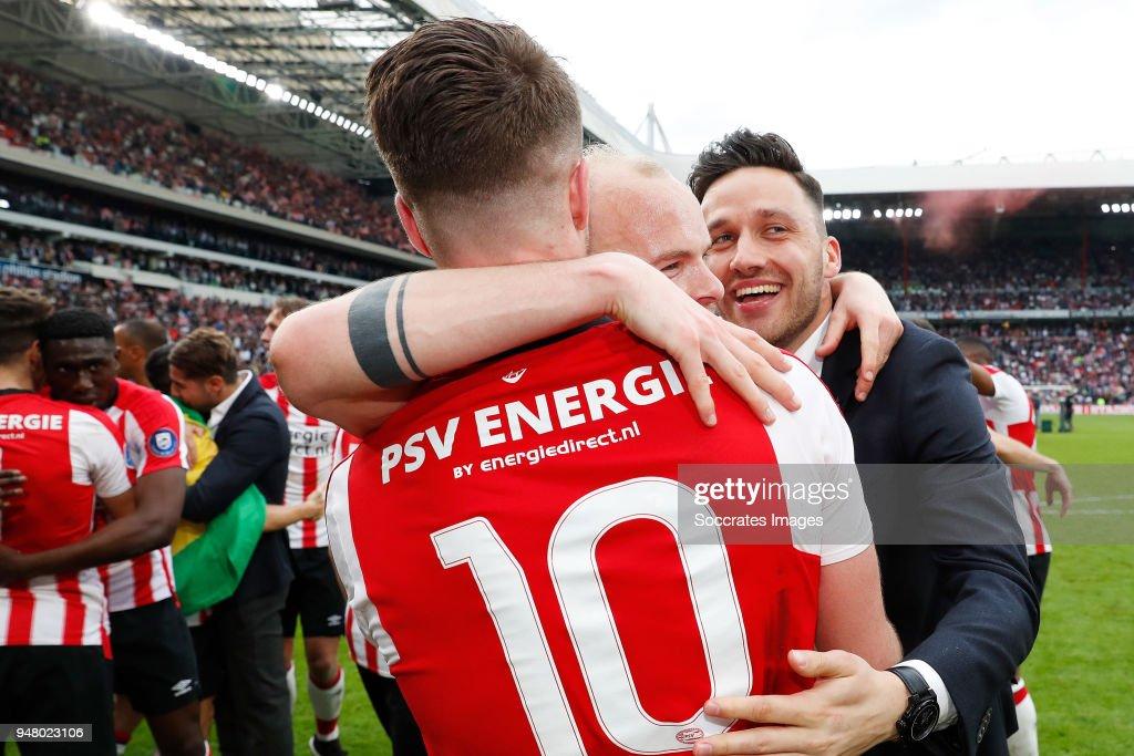 Marco van Ginkel of PSV, Jorrit Hendrix of PSV, Luuk Koopmans of PSV celebrates the championship during the Dutch Eredivisie match between PSV v Ajax at the Philips Stadium on April 15, 2018 in Eindhoven Netherlands