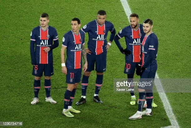 Marco Verratti, Angel Di Maria, Kylian Mbappe, Neymar Jr and Mauro Icardi of Paris Saint-Germain react during the Ligue 1 match between Paris...