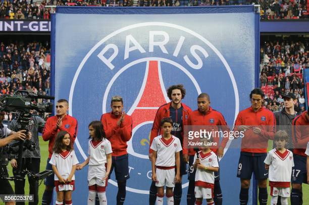 Marco Verratti Neymar Jr Adrien Rabiot Kylian Mbappe and Edinson Cavani pose before the Ligue 1 match between Paris SaintGermain and FC Girondins de...