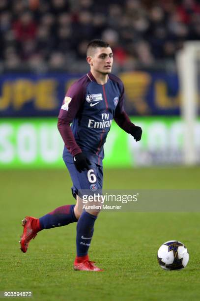 Marco Verratti of Paris SaintGermain runs with the ball during the League cup match between Amiens and Paris Saint Germain at Stade de la Licorne on...