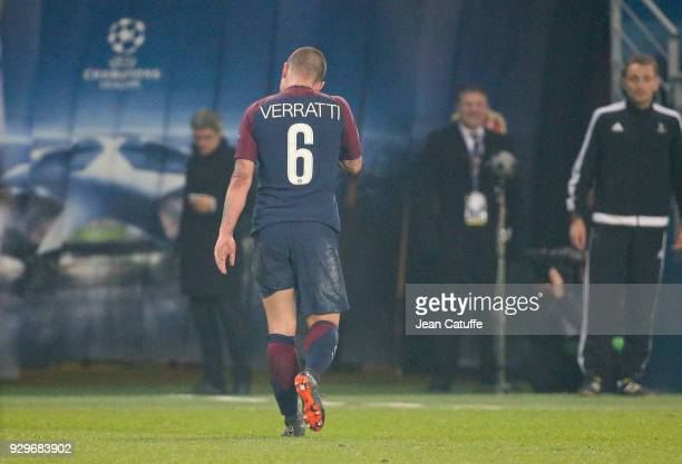 Marco Verratti of PSG leaves the pitch after receiving his second yellow card and being sent off by referee Felix Brych of Germany during the UEFA...