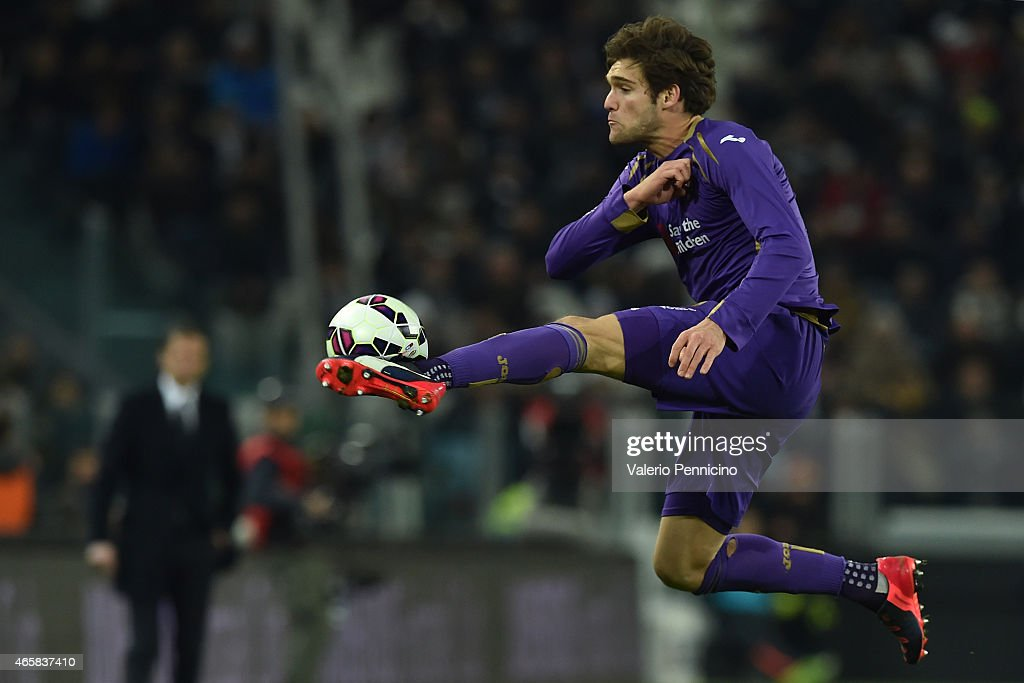 Marcos Alonso of ACF Fiorentina controls the ball during the TIM Cup match between Juventus FC and ACF Fiorentina at Juventus Arena on March 5, 2015 in Turin, Italy.