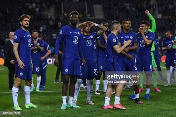 Marcos Alonso, Tammy Abraham, Emerson Palmieri, Hakim Ziyech, Tino Anjorin and Thiago Silva of Chelsea celebrate winning the Champions League...