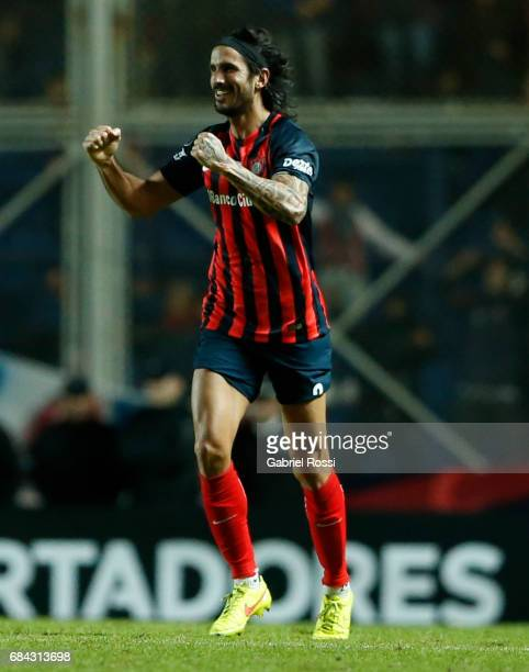 Marcos Angeleri of San Lorenzo celebrates after scoring the first goal of his team during a group stage match between San Lorenzo and Flamengo as...