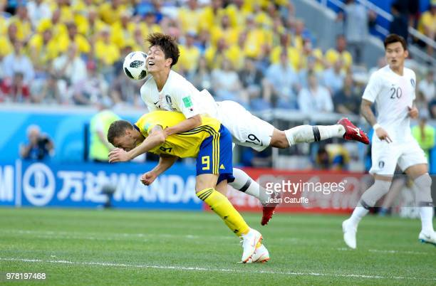 Marcus Berg of Sweden Kim Younggwon of South Korea during the 2018 FIFA World Cup Russia group F match between Sweden and Korea Republic at Nizhniy...