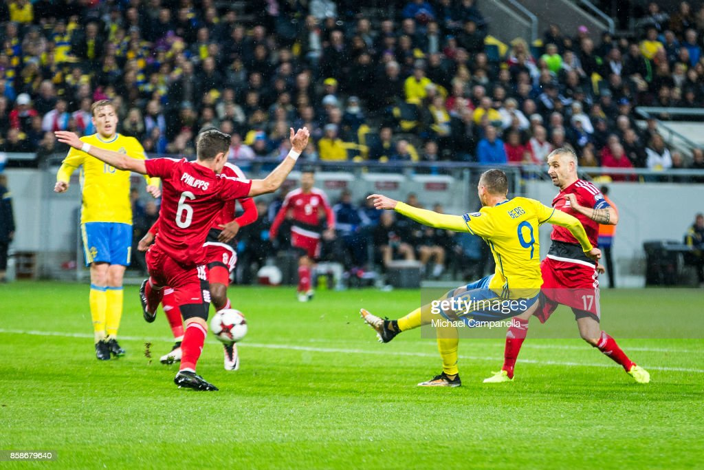 Sweden v Luxembourg - FIFA 2018 World Cup Qualifier : Fotografía de noticias