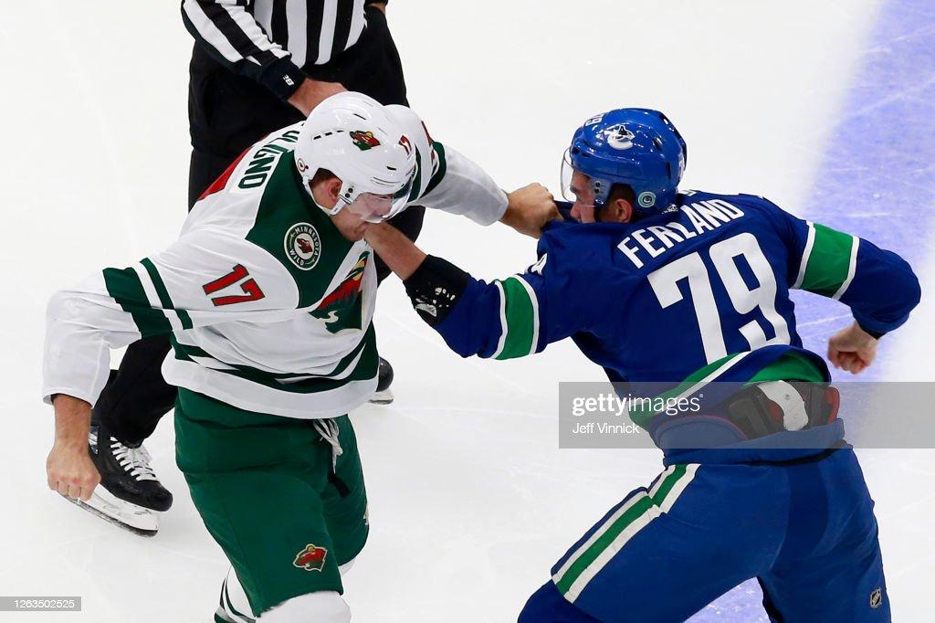 Minnesota Wild v Vancouver Canucks : ニュース写真