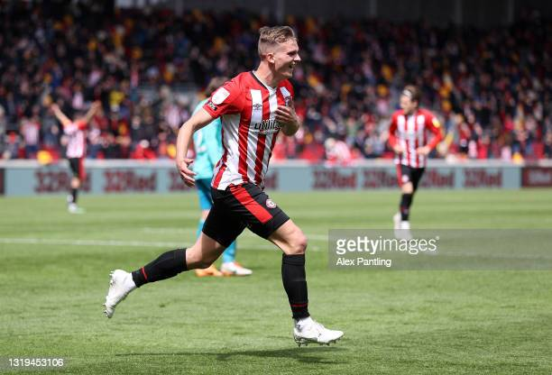 Marcus Forss of Brentford celebrates after scoring their side's third goal during the Sky Bet Championship Play-off Semi Final 2nd Leg match between...