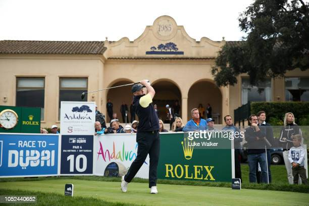 Marcus Fraser of Australia playa his shot off the 10th tee during day one of the Andalucia Valderrama Masters at Real Club Valderrama on October 18...