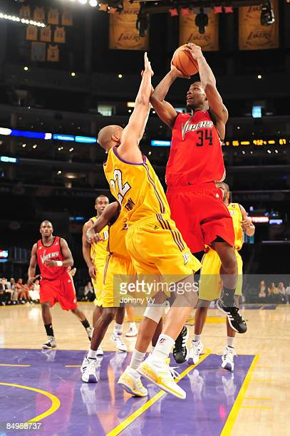 Marcus Hubbard of the Rio Grande Valley Vipers shoots against Duane Erwin of the Los Angeles DFenders at Staples Center on February 20 2009 in Los...