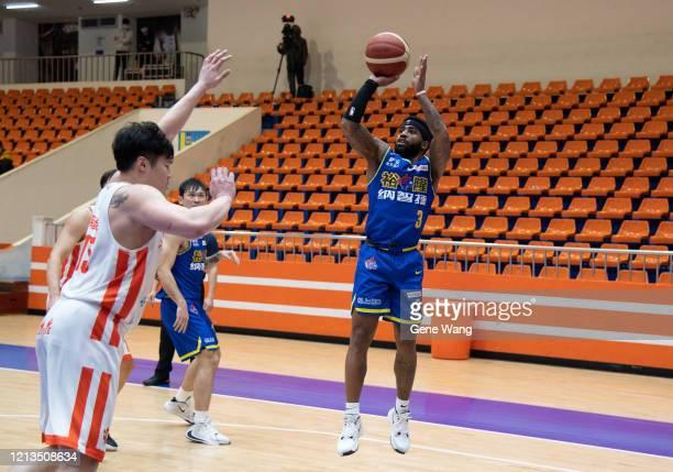 Marcus Keene of Yulon Luxgen Dinos made a jump shot during the Super Basketball League closed door match between Pauian Archiland and Yulon Luxgen...