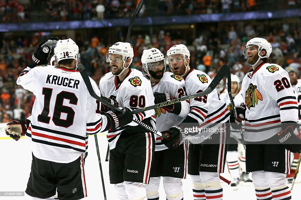 Chicago Blackhawks v Anaheim Ducks - Game Two : News Photo