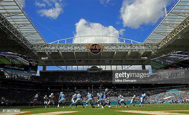 Marcus Mariota of the Tennessee Titans passes during a game against the Miami Dolphins on October 9 2016 in Miami Gardens Florida