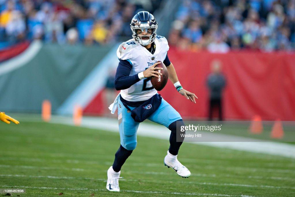 Washington Redskins v Tennessee Titans : News Photo