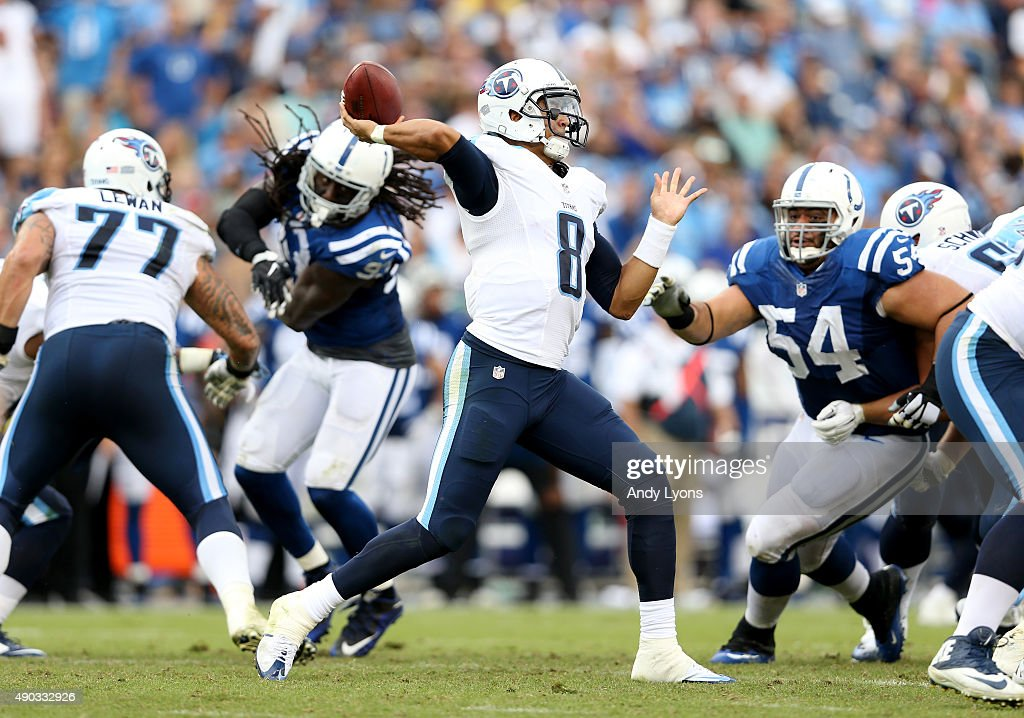 Marcus Mariota #8 of the Tennessee Titans throws a pss during the game against the Indianapolis Colts at LP Field on September 27, 2015 in Nashville, Tennessee.