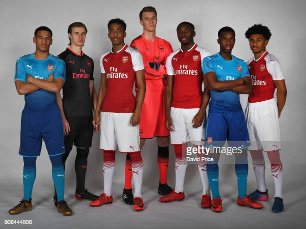 Marcus McGuane Ben Sheaf Joe WIllock Matt Macey Josh Dasilva Eddie Nketiah and Reiss Nelson of Arsenal during an Arsenal Magazine Photoshoot at...